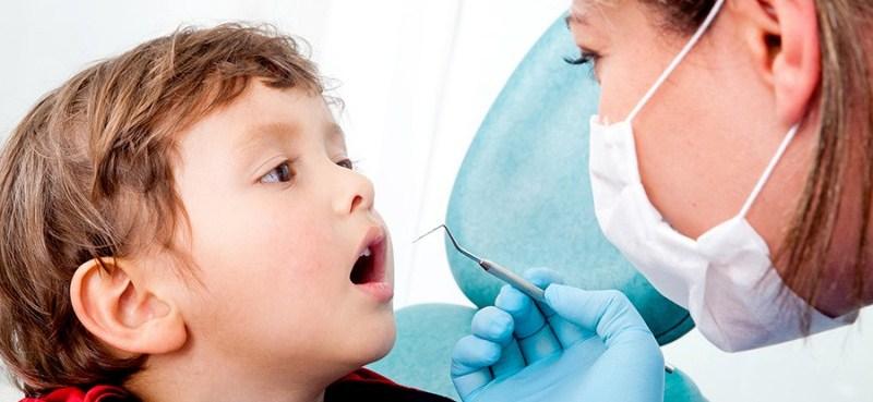 Лечение кариеса детских зубов