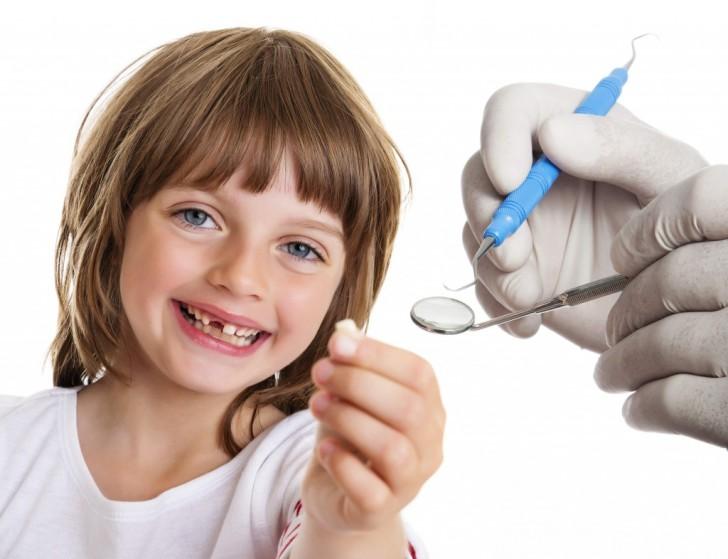 Удаление детских молочных зубов