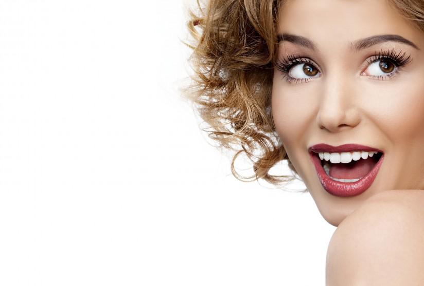 что влияет на цвет зубов