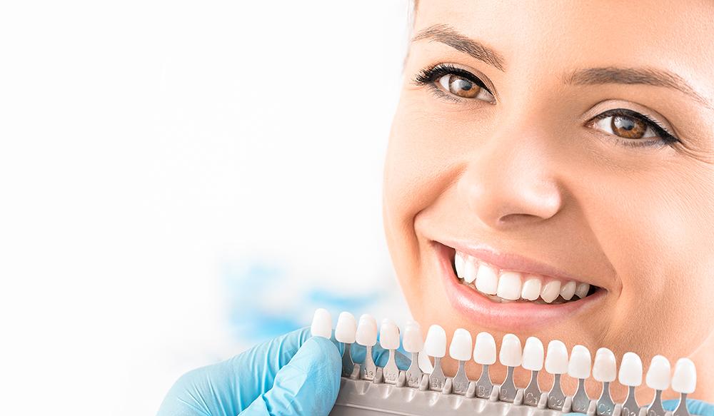 протезирование зубов коронками из металлокерамики
